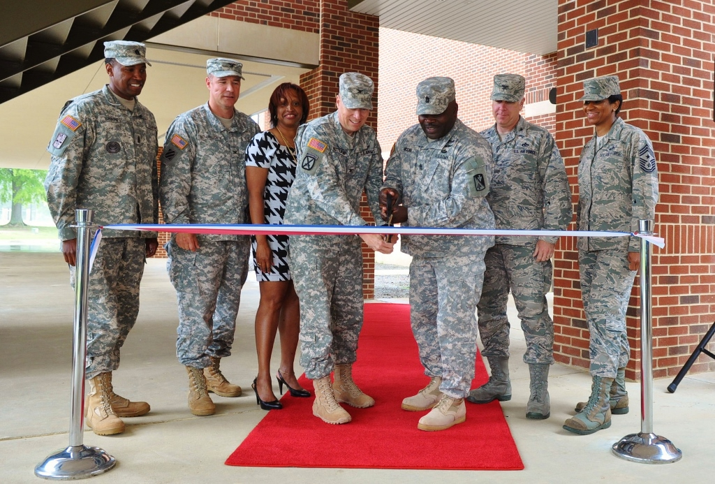 New dining facility opens to benefit AIT Soldiers on Fort Eustis