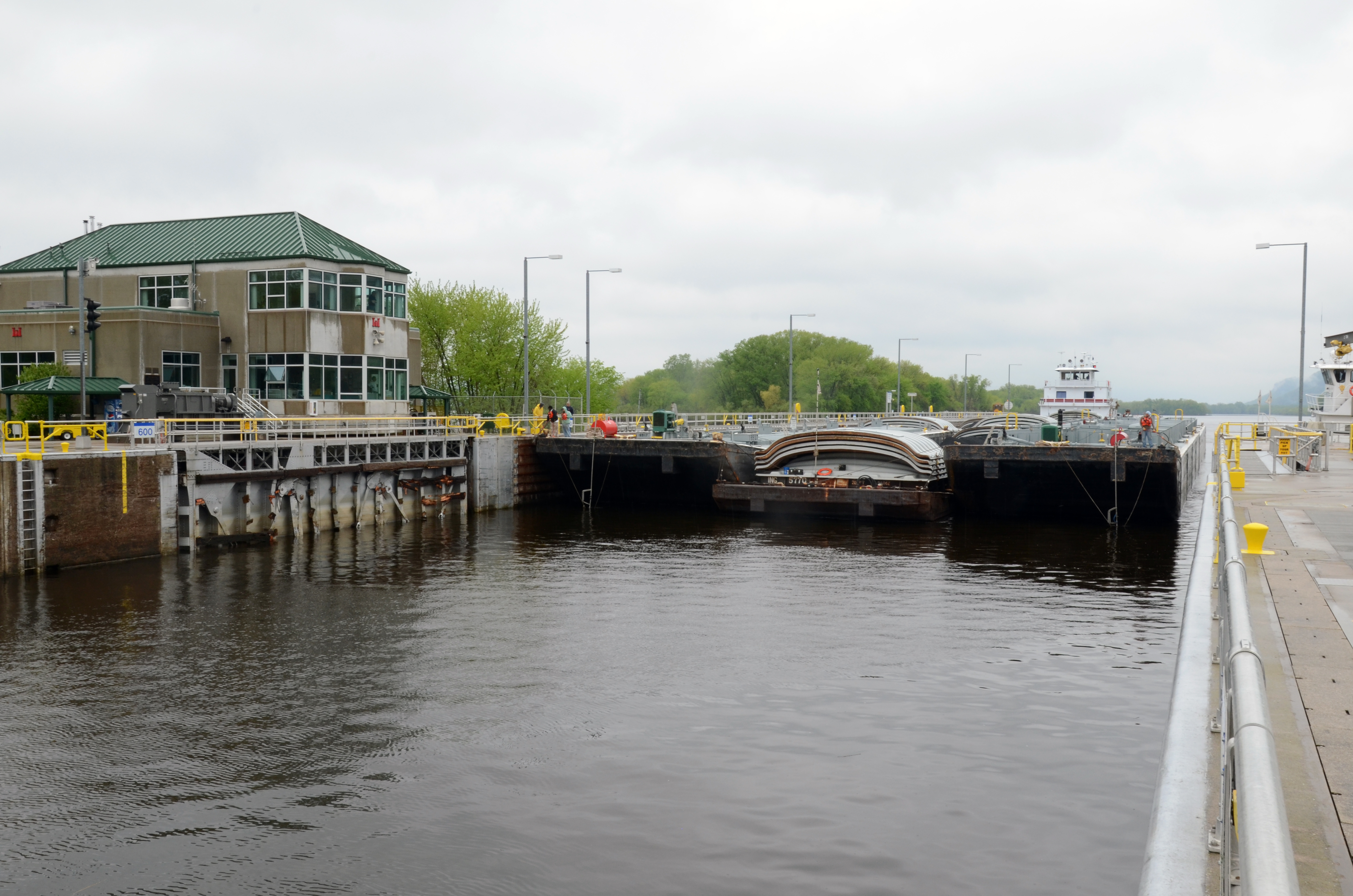 Corps' Fountain City, Wis , Lock and Dam reopens following