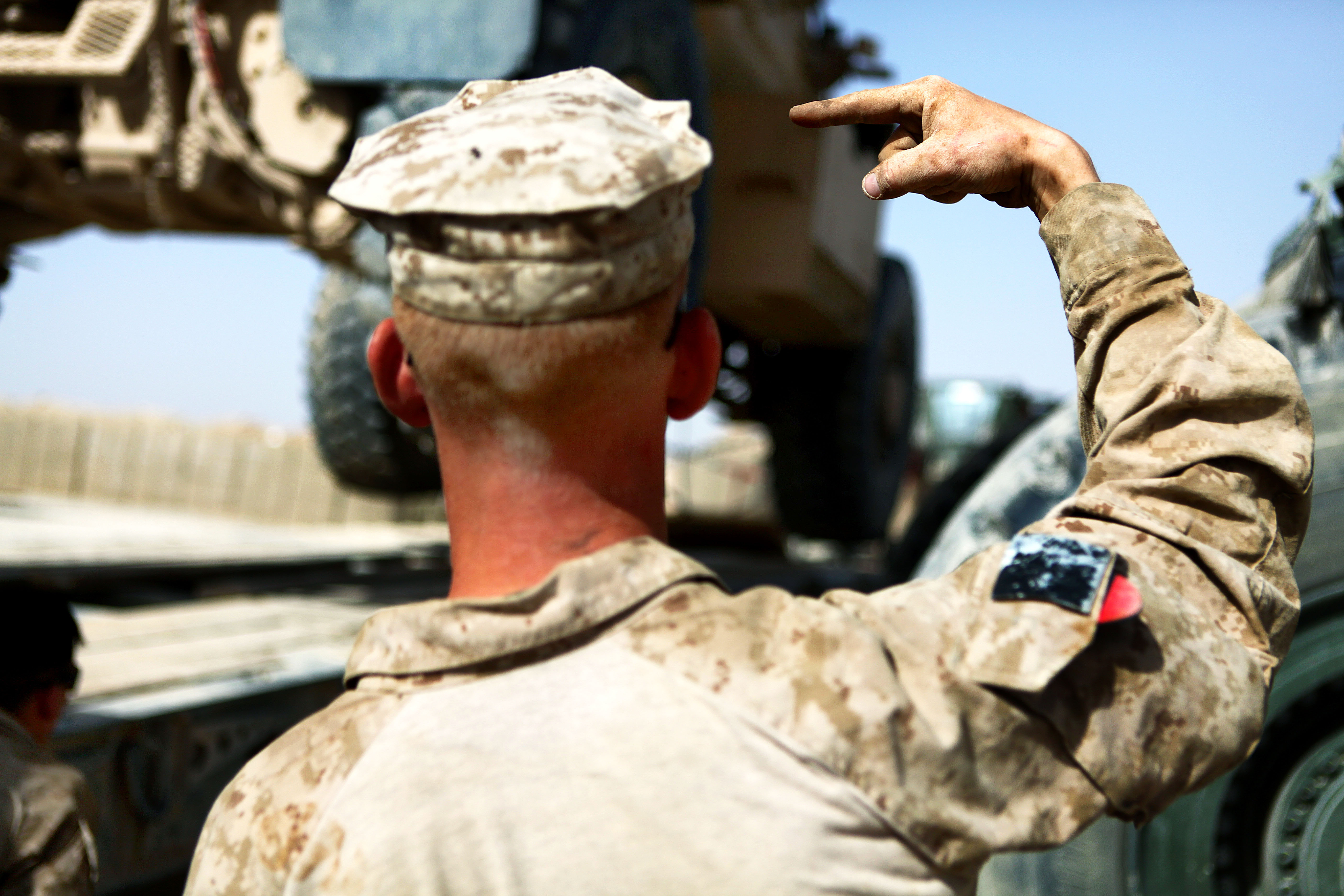 marine corps hand and arm signals The revised army hand signal manual the revised army hand signal manual benefits marine corps navy air force coast guard procurement technology gear.