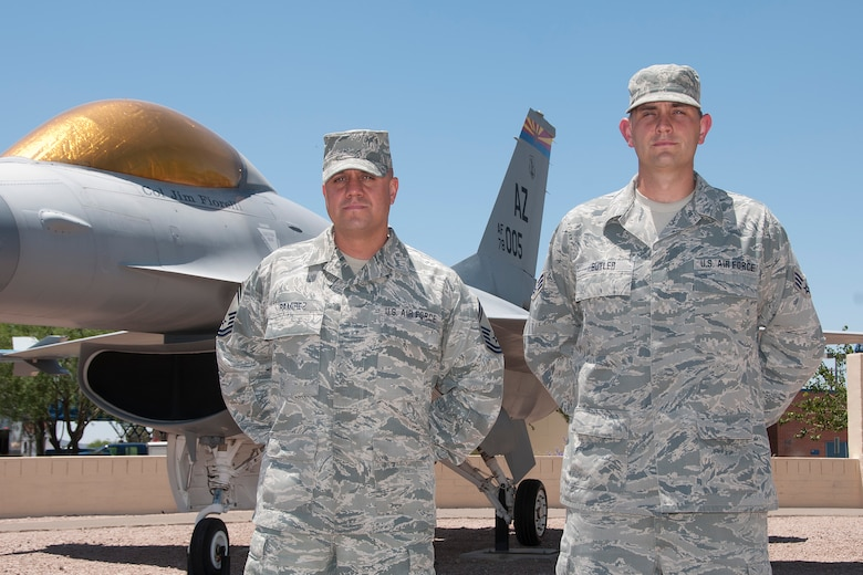 Senior Master Sgt. Daniel Ramirez, (left) and Senior Airman Brandon Butler, were recognized as the 2012 Logistics Readiness Senior NCO and Airman of the Year by the Air National Guard.  (U.S. Air National Guard photo by Master Sgt. David Neve/Released)