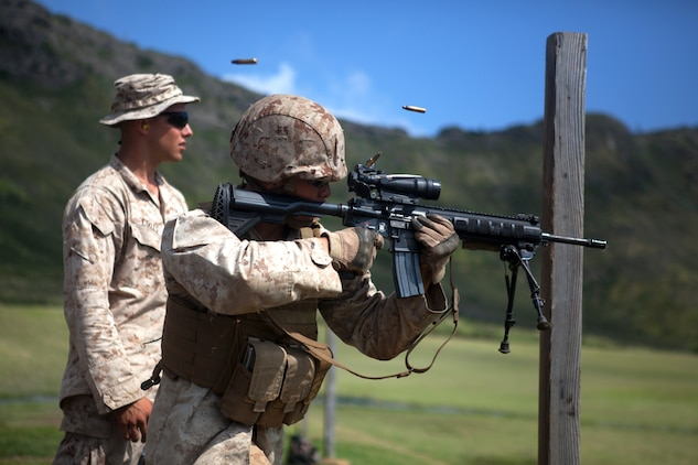 'Island Warriors' conquer range with IAR training > Marine ...