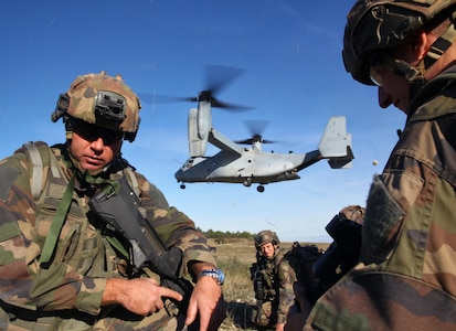 2e REI and US Marines Urban warfare exercise - MV-22B Osprey