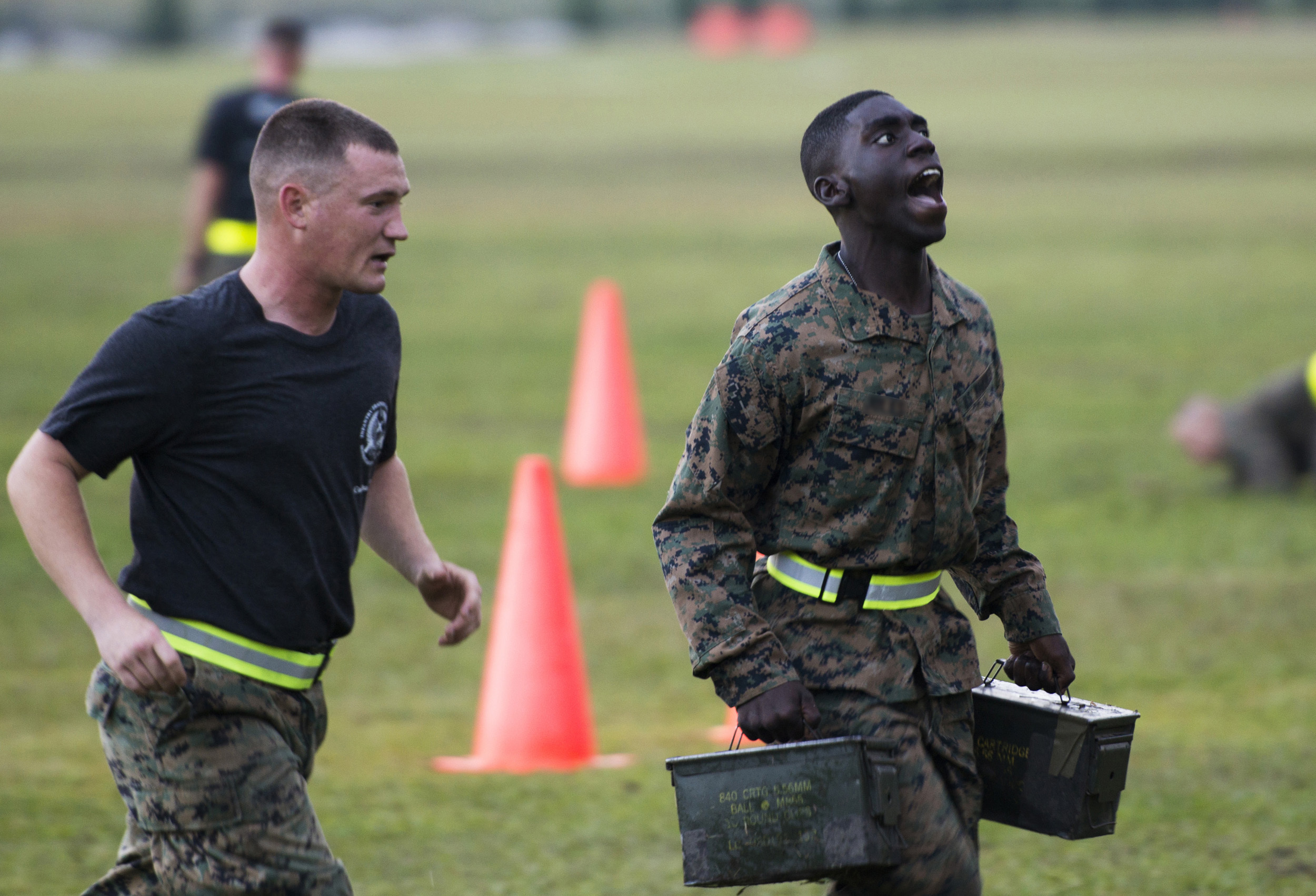 First female Marines attend infantry course > Headquarters Marine ...