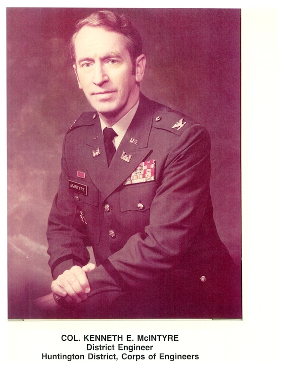 COL Kenneth E McIntyre