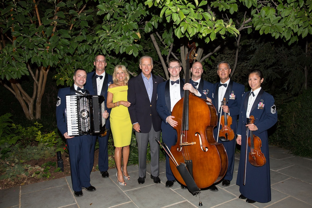 Members of the Air Force Strings with Vice President and Mrs. Joe Biden