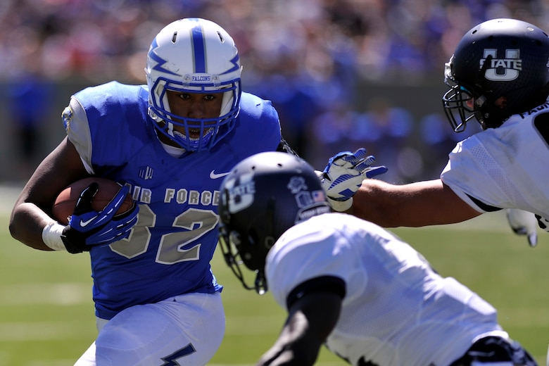 Aggie-ny of Defeat': Utah State thumps Air Force, 52-20
