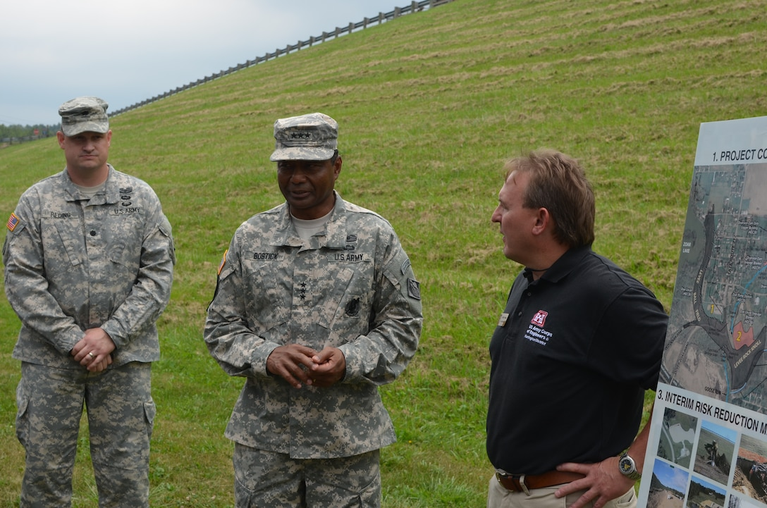 Lt. Gen. Bostick, Chief of Engineers, is updated by Rodney Cremeans