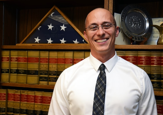 Damon Roberts, counsel, is the 2012 Joseph W. Kimbel Award recipient. The U.S. Army Corps of Engineers award recognized an attorney that demonstrates the highest professional potential for future legal achievement.