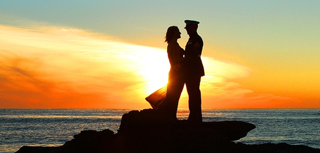 Marine couple silouhette