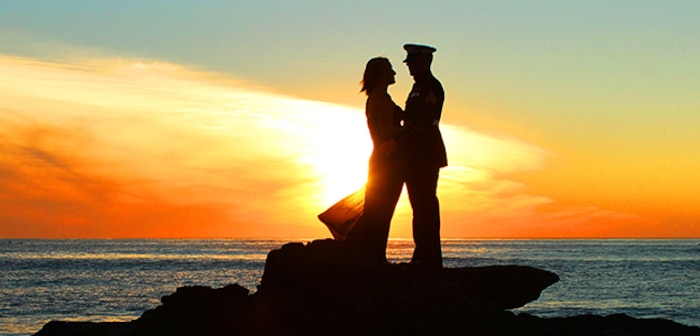 Marine couple silouhette