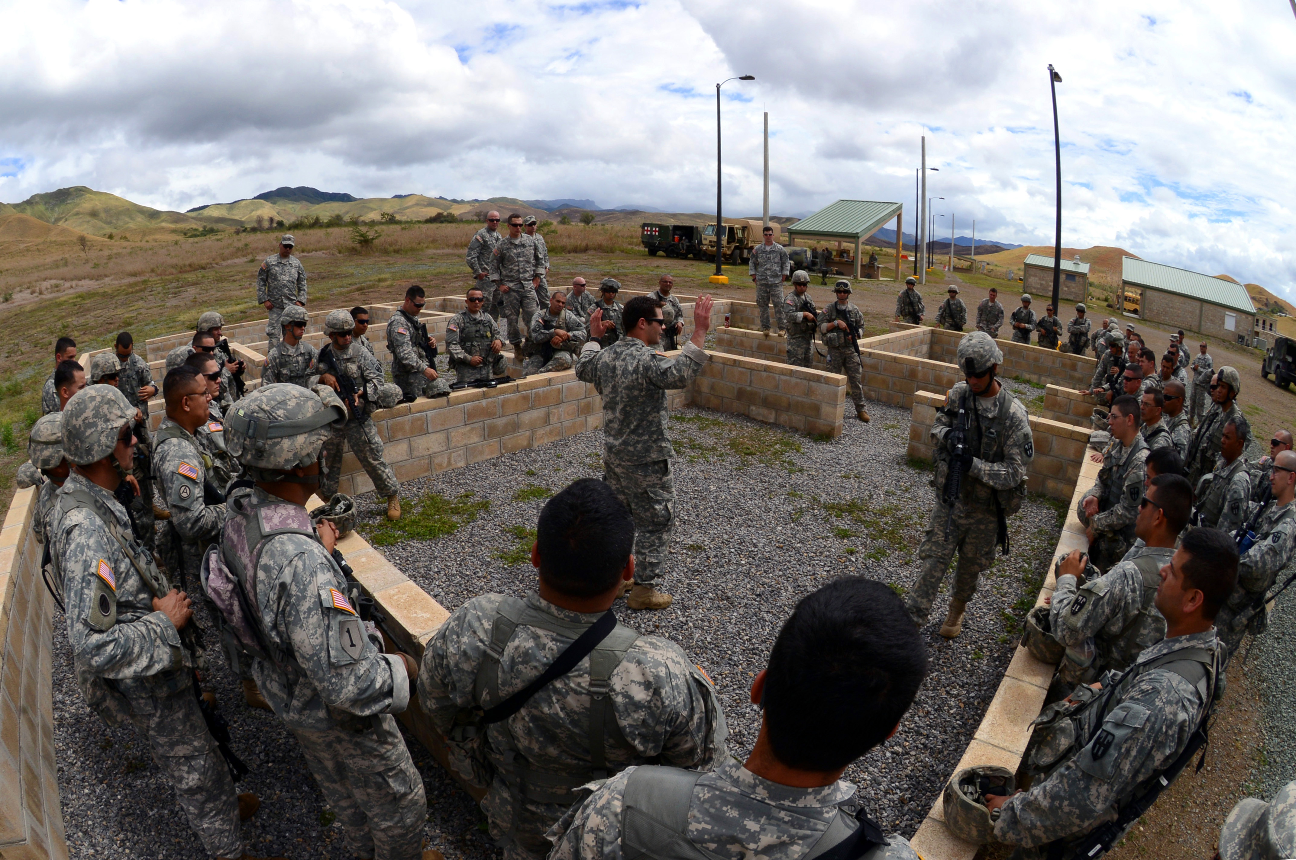 Illinois National Guard Special Forces train with Puerto Rico ...