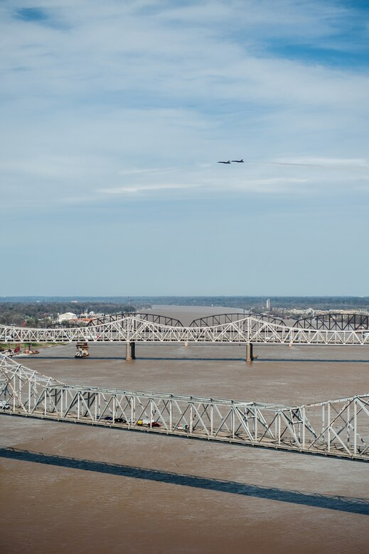 The U.S. Navy Blue Angels practice their aerial demonstration routine over the Ohio River in downtown Louisville, Ky., April 10, 2014. The Blue Angels are performing in this weekend's Thunder Over Louisville air show. (U.S. Air National Guard photo by Maj. Dale Greer)