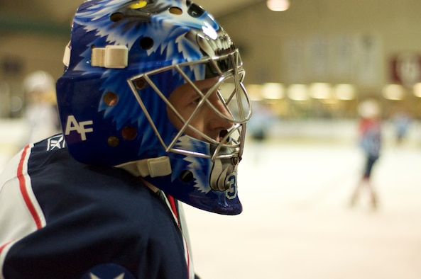 U.S. goalie Steven Bell recorded a shutout against the Canadians in the sixth annual Can/Am Cup March 28. Bell was the game's MVP. (Air Force photos by Chad Jespersen)