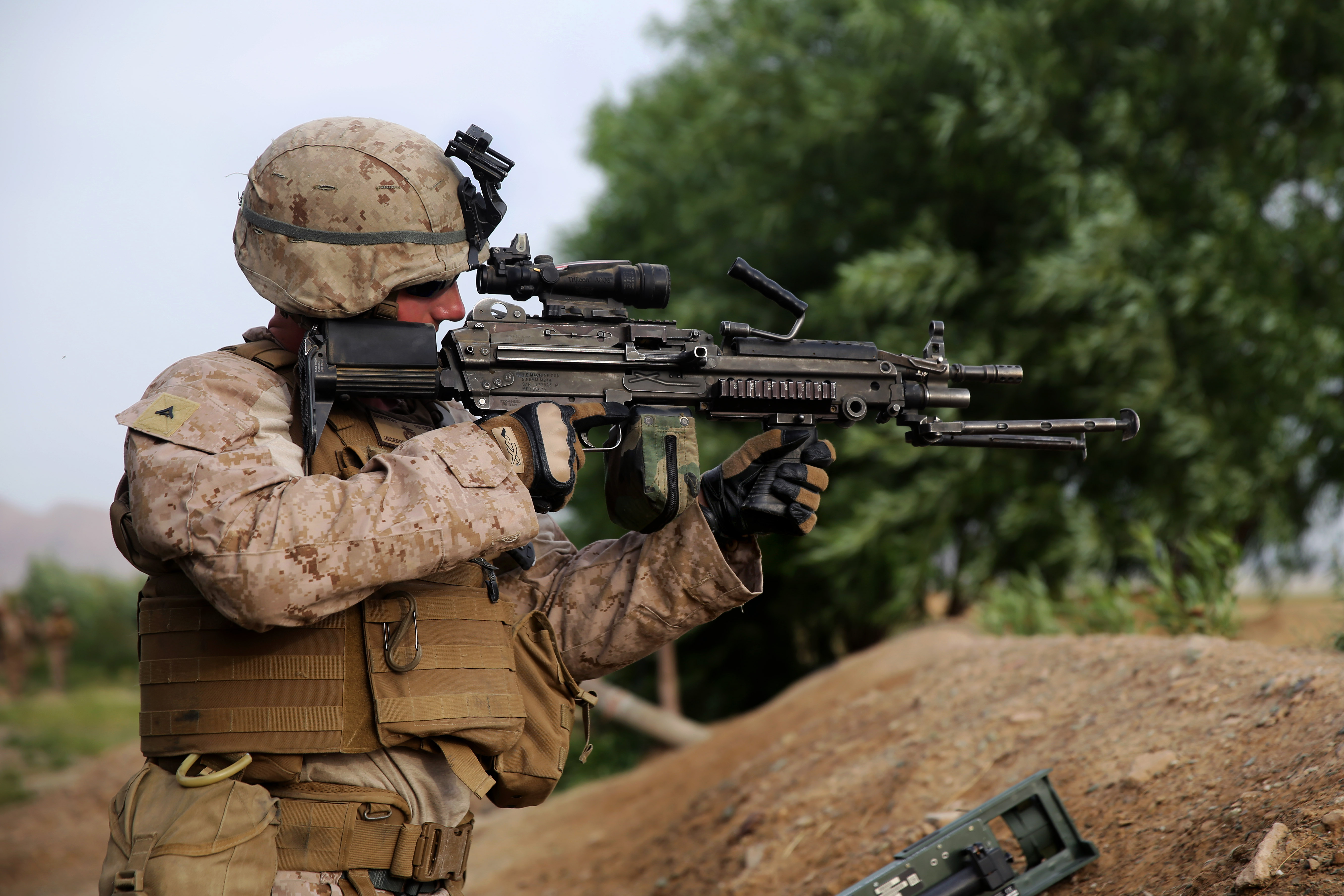 marine corps combat engineer