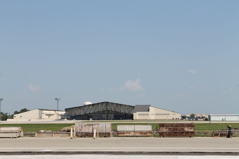 Also under construction at Minot Air Force Base, N.D., is a two bay B-52 hanger being built by PCL. The new B-52 Two-Bay Phase Maintenance Dock is an 86,380-square-foot facility and will provide space for necessary maintenance activities for two B-52 bombers to support an expanded mission and personnel.