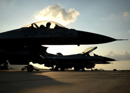 A U.S. Air Force F-16 Fighting Falcon fighter aircraft pilot from the 480th Fighter Squadron waits to taxi to the flightline Aug. 18, 2014, during a training event between the U.S. and Hellenic air forces. (U.S. Air Force photo by Staff Sgt. Daryl Knee/Released)