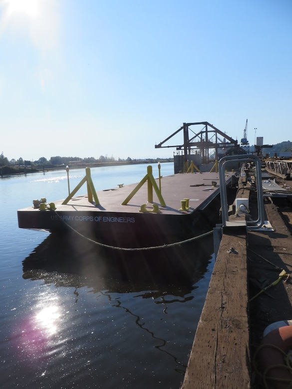 The CENWS Debris Barge was designed by the U.S. Army Corps of Engineers' Marine Design Center based in Philadelphia, PA. The vessel is operated by the USACE Seattle District and is certified by the American Bureau of Shipping as an A1 Barge for River Service.