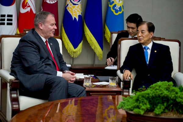 U.S. Deputy Defense Secretary Bob Work, left, meets with South Korea's Defense Minister Han Min-koo during a meeting at the Minister of Defense Building in Seoul, Aug. 20, 2014, during the deputy defense secretary's trip to the Asia-Pacific region. DoD photo by U.S. Air Force Master Sgt. Adrian Cadiz
