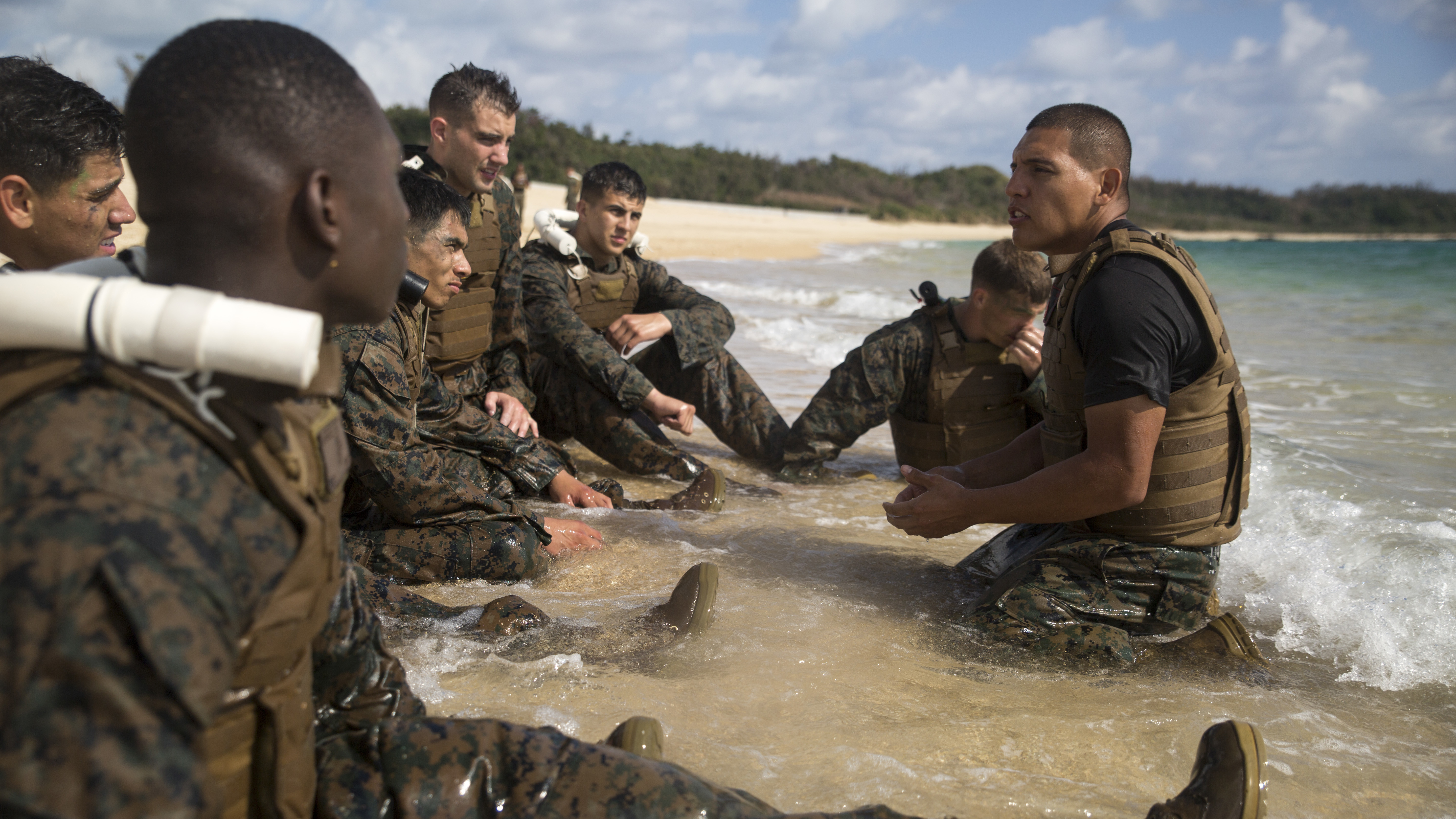 MCMAP instructor course tests Marines endurance on beaches of ...