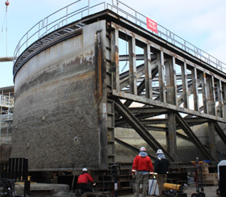 Sector Gate rehabilitation work at T. J. O'Brien Lock and Dam