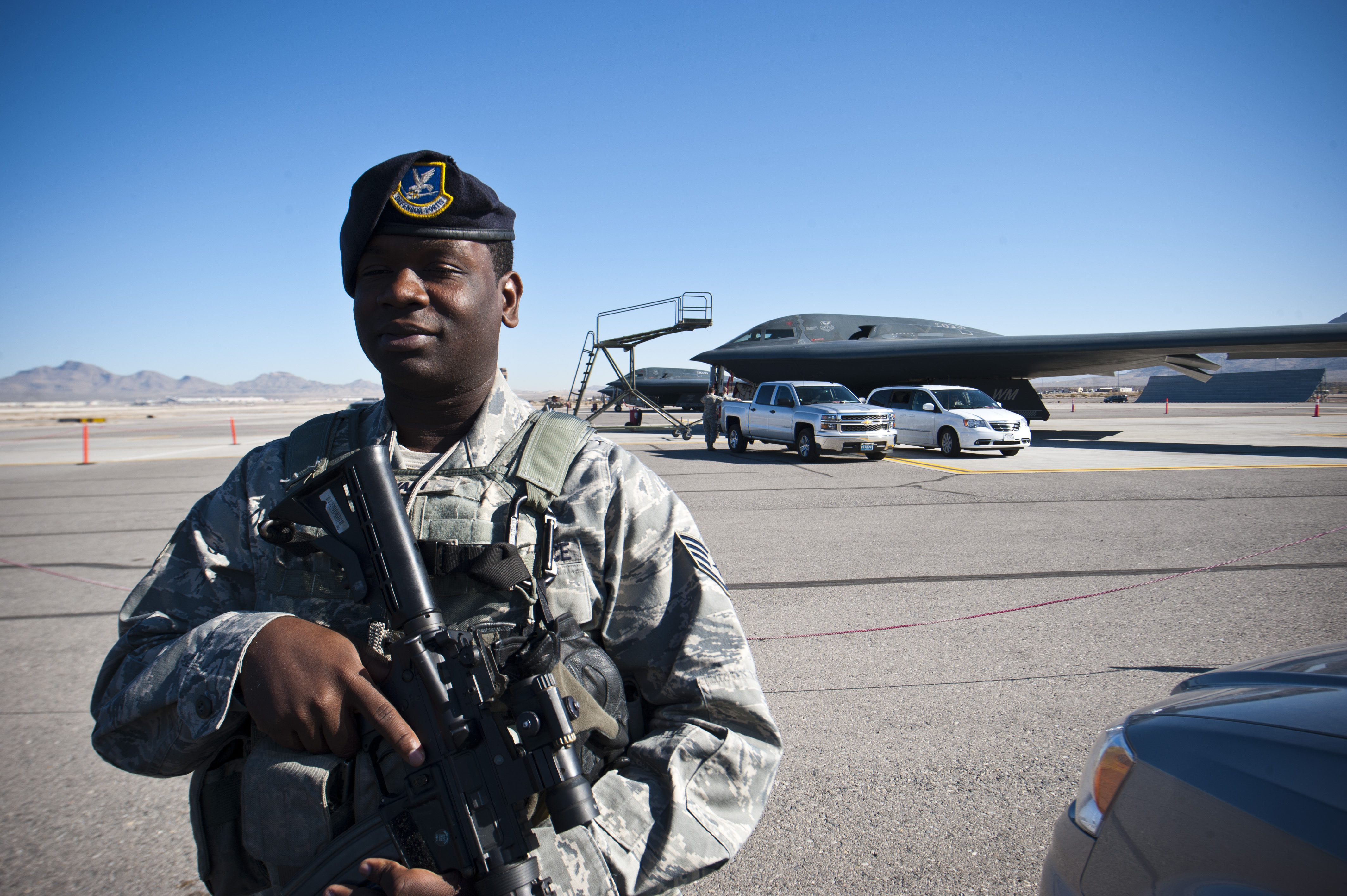 photos u s air force staff sgt james bovain 509th security forces squadron response force leader