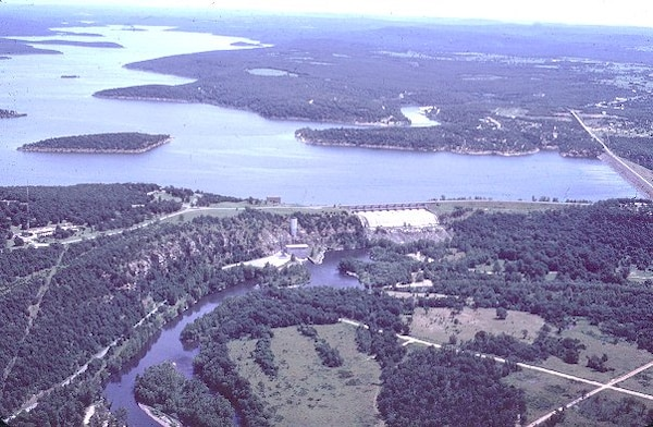 An aerial view of Tenkiller Dam.