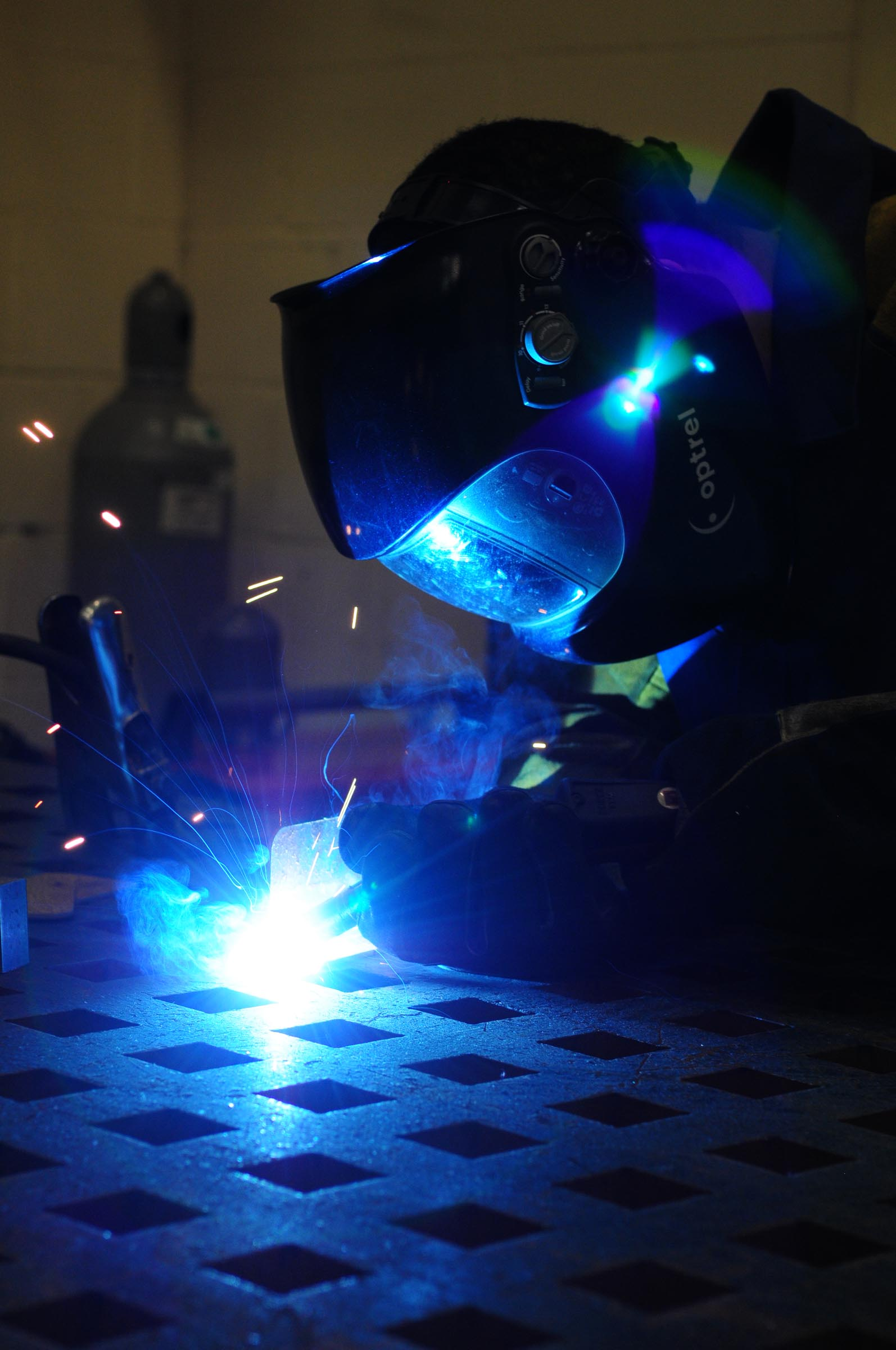 Aircraft Metals Technology Putting Square Pegs In Round