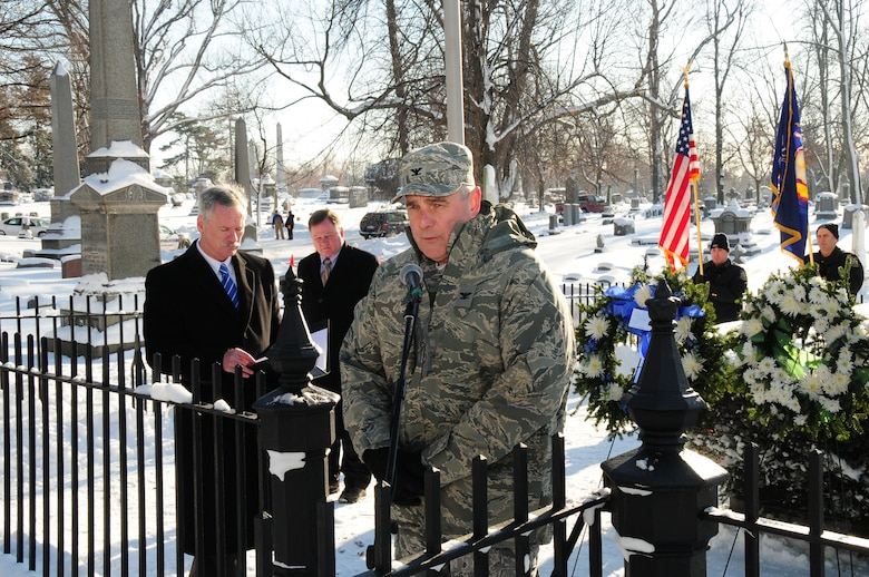 Col. John Higgins, Commander of the New York Air National Guard's 107th Airlift Wing, placed the wreath on behalf of President Barack Obama at Forest Lawn Cemetery in Buffalo, NY on January 9, 2014 (U.S. Air National Guard Photo/Senior Master Sgt. Ray Lloyd)