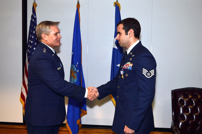Special tactics airmen awarded top combat decorations for Decor 6 air force