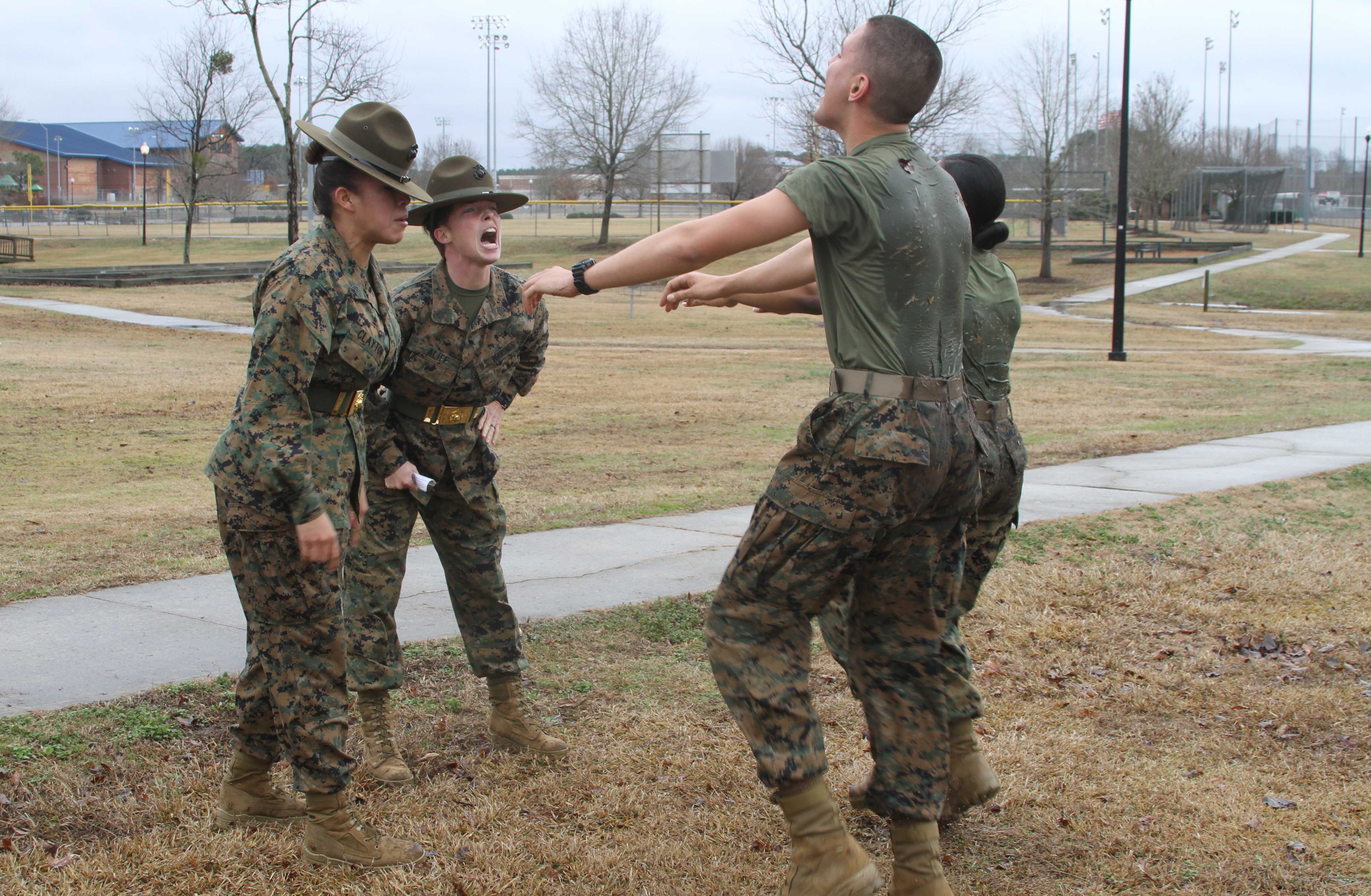 Can females join the marines
