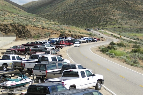 The Spillway at Lucky Peak Dam accommodates overflow parking from nearby launch areas as well as truck-trailer rigs that are too large to fit into the marked parking stalls.