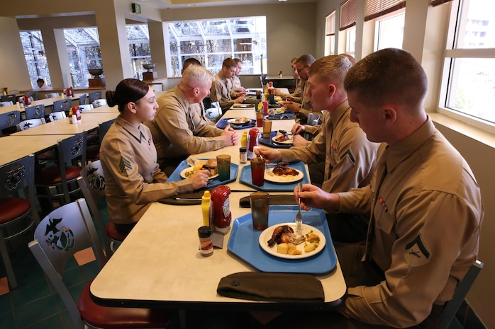 I Marine Expeditionary Force Commanding General, Lt. Gen. John A. Toolan, has lunch with a group of Marines aboard Camp Pendleton, Calif., Jan. 10. The Marines had  an opportunity to ask and discuss questions they had about I MEF and the Marine Corps.
