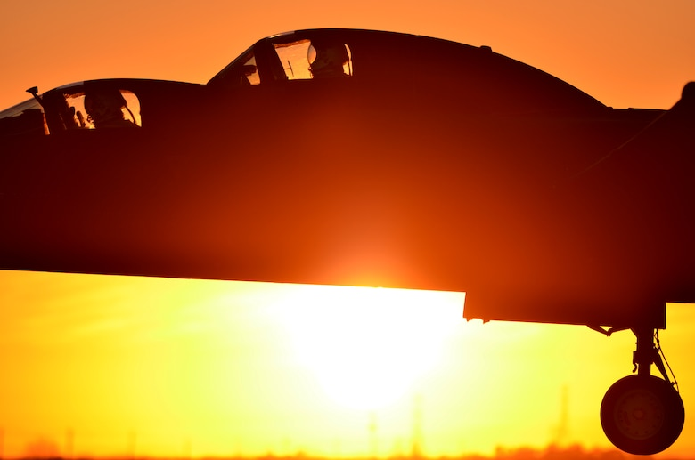 U-2 pilots prepare to land a TU-2S Dragon Lady at sunset on Beale Air Force Base, Calif., Jan. 22, 2014. TU-2S are trainer aircraft used to gain proficiency before pilots deploy for operational missions. (U.S. Air Force photo by Airman 1st Class Bobby Cummings/Released)
