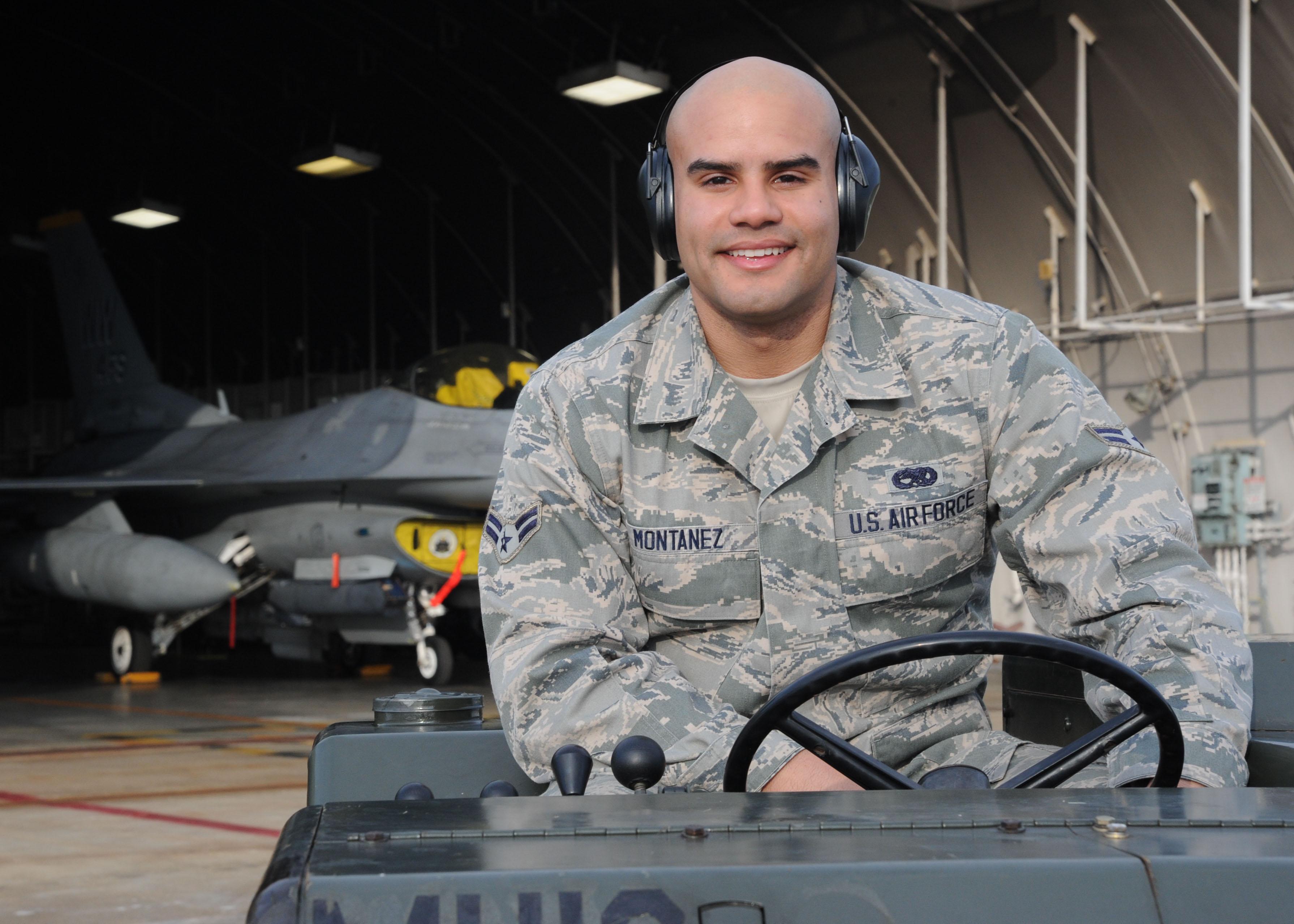 photos airman 1st class julian a montanez 14th aircraft maintenance unit aircraft armament systems apprentice