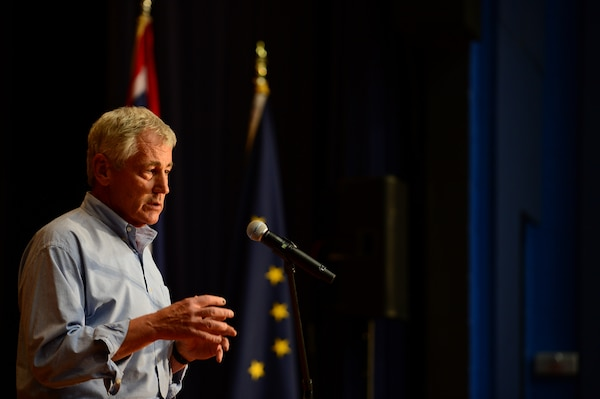 Defense Secretary Chuck Hagel meets with service members at Naval Submarine Base Kings Bay, Ga., July 9, 2014. Hagel also toured the ballistic-missile submarine USS Tennessee. DoD photo by Air Force Master Sgt. Adrian Cadiz