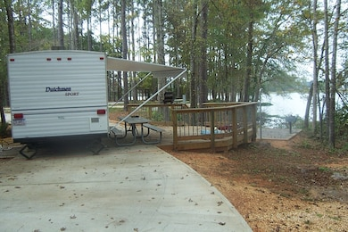 The U.S. Army Corps of Engineers operates and maintains five campgrounds at Alabama River Lakes. Registered campers are entitled to the full use of campground facilities such as grills and tables, dump stations, laundries and showers.