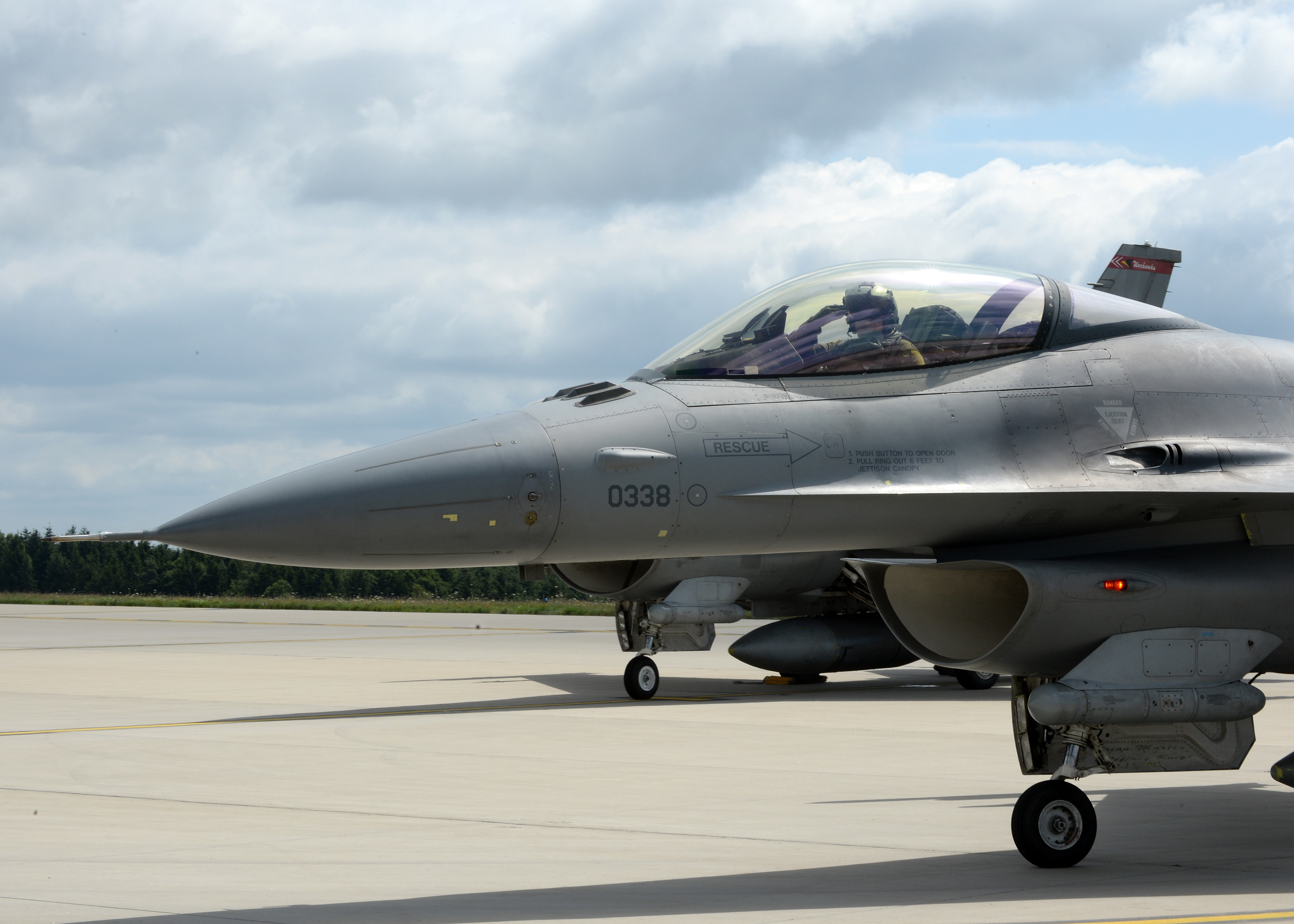 PHOTO DETAILS / DOWNLOAD HI-RES 2 ... & New commander brings passion to Spangdahlem u003e u003cp styleu003dfont-size ...