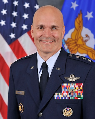 Carlton Everhart II, Lieutenant General, USAF, Commander