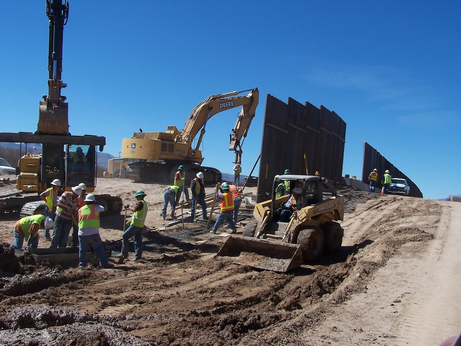 Construction of a portion of the Border Fence in Texas, Feb. 26, 2009. Photo by Phil Roybal.
