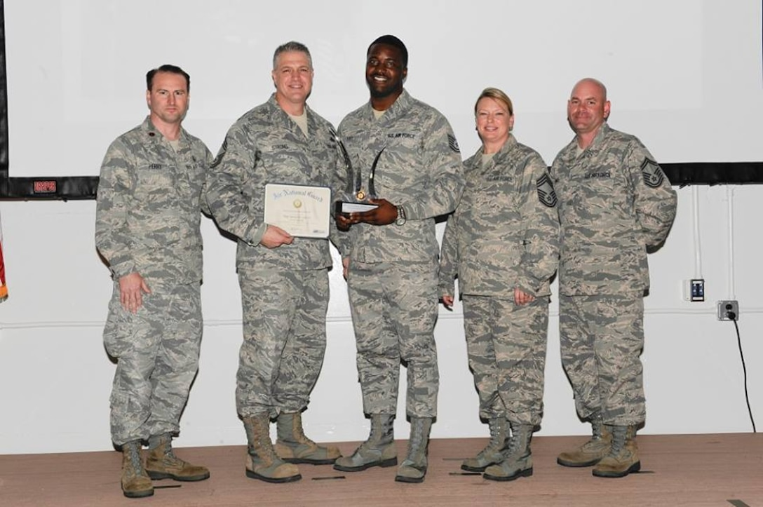 The 172d Airlift Wing's TSgt James Lott has been named the FY 2013 Rookie Recruiter of the Year by NGB. The tremendous award follows Lott being named the Region 3 which consists of Texas, Oklahoma, Arkansas, Louisiana, Mississippi, Tennessee, Alabama, Georgia, South Carolina, North Carolina, Florida, The Virgin Islands, and Puerto Rico.  In the photo below, TSgt Lott (center) is shown after having just been presented with his award.
