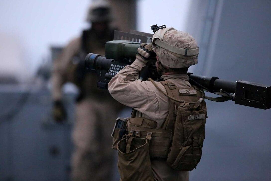 Makin Island Amphibious Ready Group executes strait transit