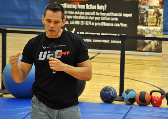 UFC Middleweight Champion Rich Franklin emphasizes the importance of eating foods that are minimally processed during a fitness workshop at Wilson Fitness Center at Lewis North May 3. The event, sponsored by Air Force Reserve Recruiting, was incorporated into this year's Ultimate Fighting Champion Fit Tour. (U.S. Air Force Reserve photo by Tech. Sgt. Minnette Mason)