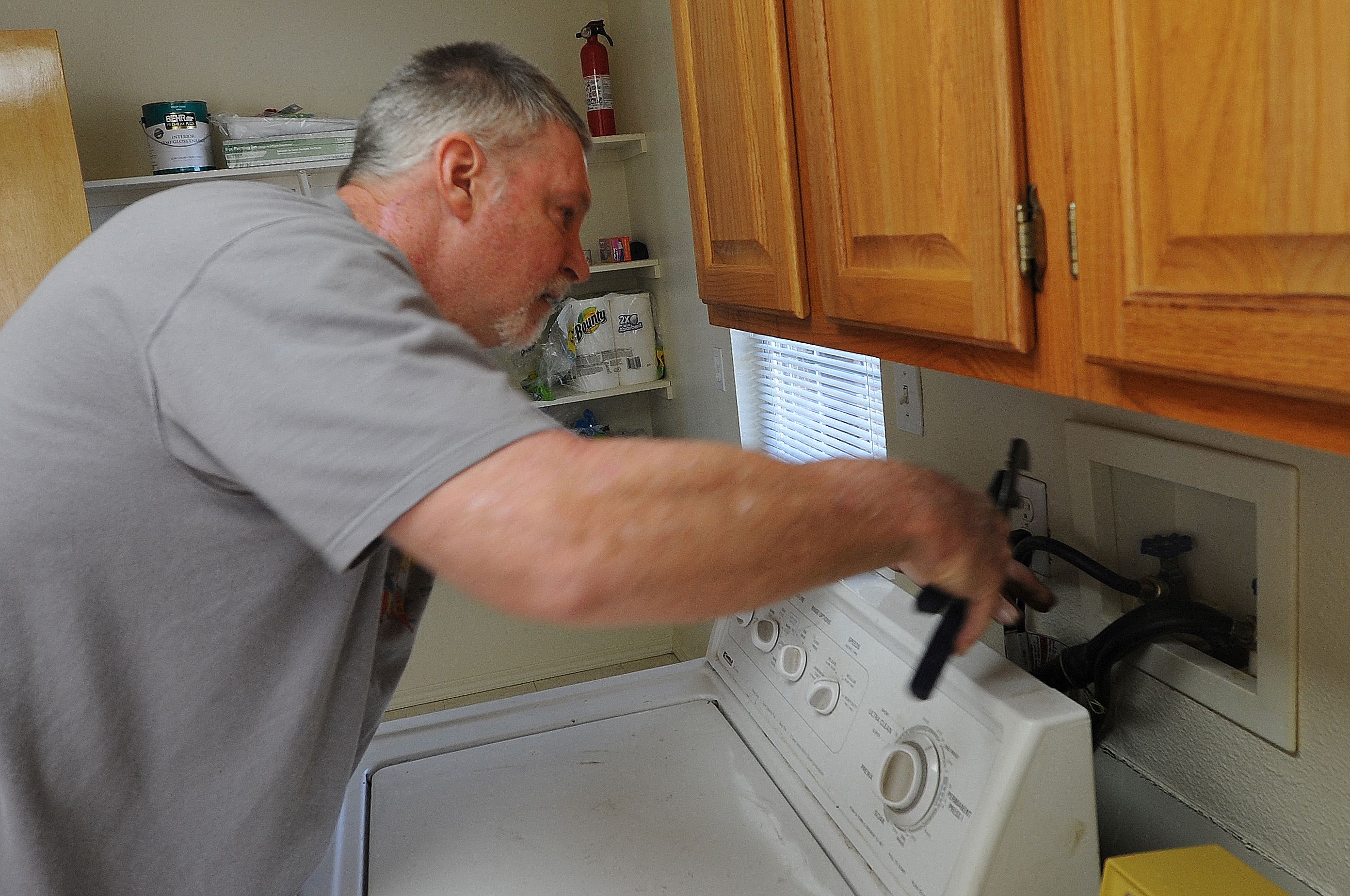 Veteran restores appliances, helps new Airmen