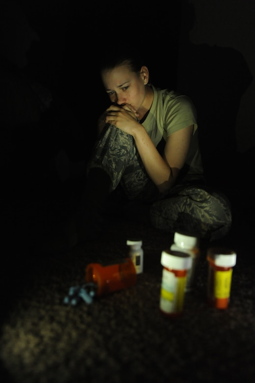 impact of illegal drug use among The high rates of drug abuse among college students can be attributed to a number of factors, including: stress as students are facing the high demands of coursework, part-time jobs, internships, social obligations and more, many turn to drugs as a way to cope.