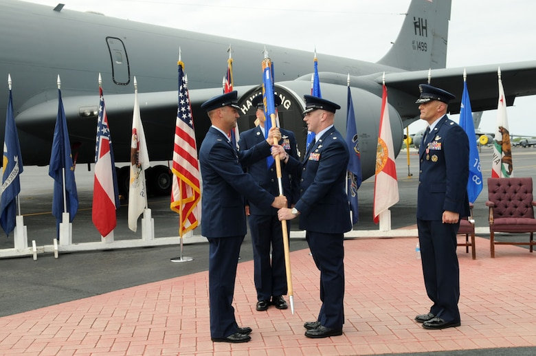 96th Air Refueling Squadron under new management > 15th Wing ...