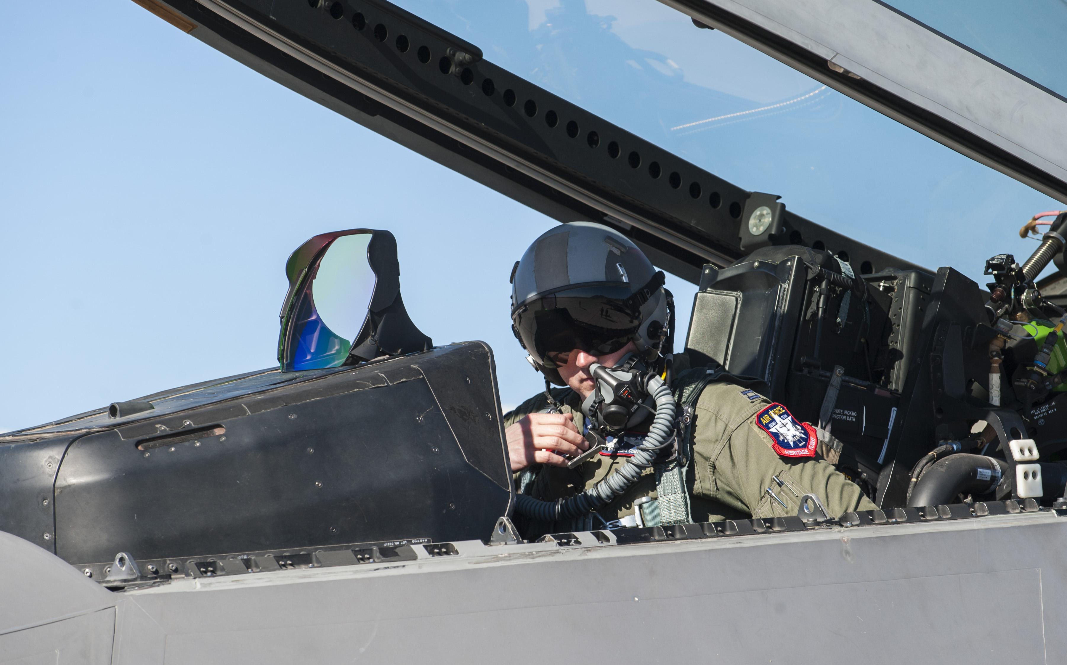 Raptor demo team soars into sky > Nellis Air Force Base > News Usaf Fighter Pilot F 22