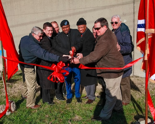 Corps City of St. Louis celebrates the completion of $16 million floodwall