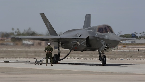 "An F-35B Lightning II, with Marine Fighter Attack Squadron (VMFA) 121 ""Green Knights,"" refuels on the flight line aboard Marine Corps Air Station Yuma, Arizona, Aug. 18. The Lightning II is scheduled to show off its capabilities during demonstrations at the 2014 Miramar Air Show, Oct. 3-5."