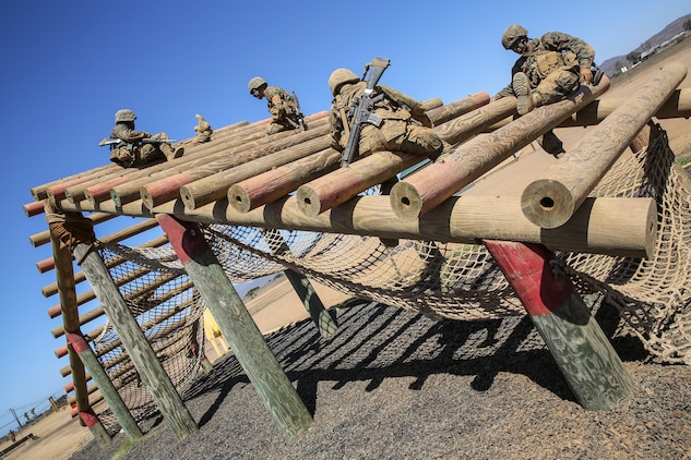 Recruits overcome Crucible challenges > Marine Corps ...