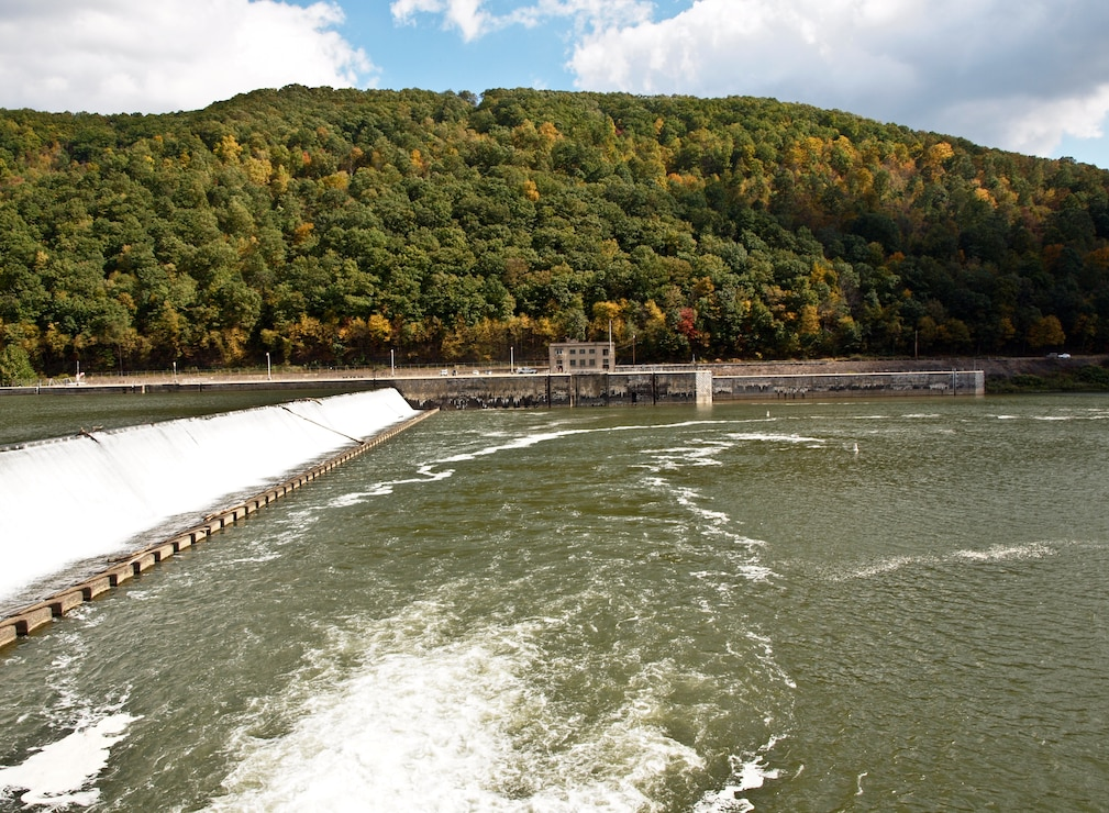 The Nature Conservancy, the U.S. Army Corps of Engineers and our partners have implemented screening assessments of hydrologic alteration at more than 12 projects located primarily in four major sub‐basins (Allegheny, Monongahela, Kanawha, & Muskingum). Through the screening assessments, six projects have been prioritized for recommendations development and implementation, with six other sites in various steps of exploration. These sites possess potential operational flexibility and greatest ecological benefit. In response to prioritization, site specific ecosystem flow reservoir release recommendations have been developed for three high‐leverage projects, with the potential to affect habitat conditions for fish, mussels, wildlife, vegetation and water quality on more than 500 river miles.